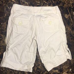 Rue21 Shorts - White Bermuda shorts